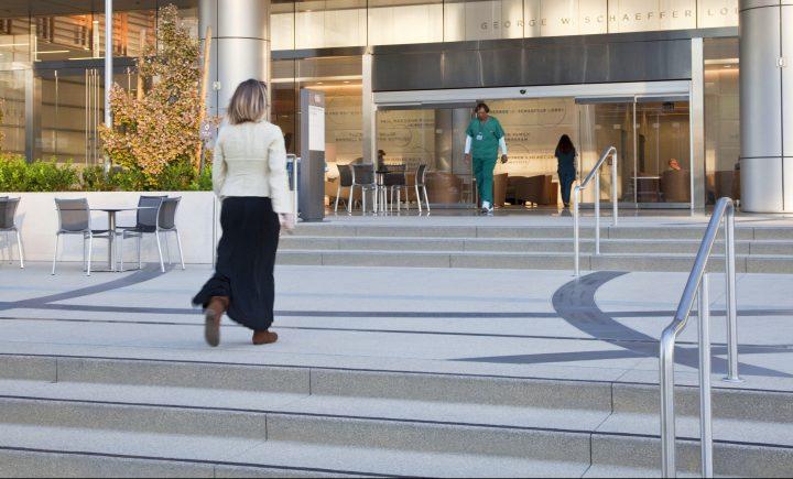 Cedars Sinai Medical Center 1 Stairs e1566696828207 720x435 - Cedars-Sinai Advanced Health Sciences Pavilion